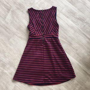 Monteau Dresses - 🌼 LOWEST ⬇️ Monteau Dress Size S
